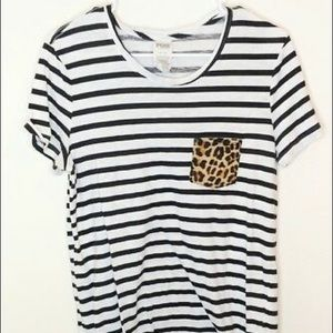 VS pink leopard pocket Tee